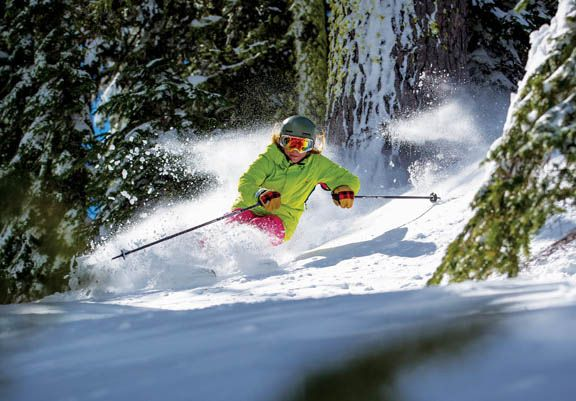 mount-hood-meadows-ski-resort-skier