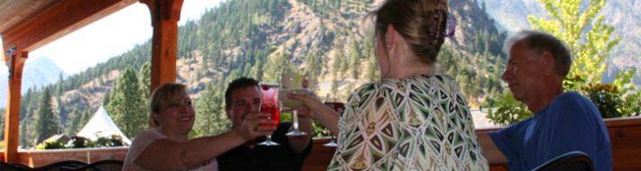 outdoor dining - leavenworth restaurant guide
